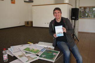 Kinderbuchautor Josef Koller präsentiert seine neuen Werke